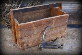 Handgemaakt houten gereedschapskistje