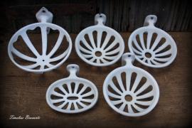 Vintage jaren '20-'30 Frans geëmailleerd gietijzeren zeepbakje (rond)