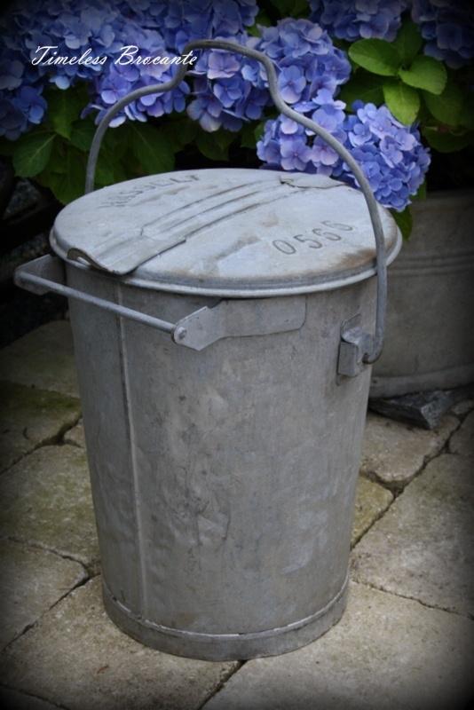 Vintage zinken vuilnisemmer/vuilnisbak
