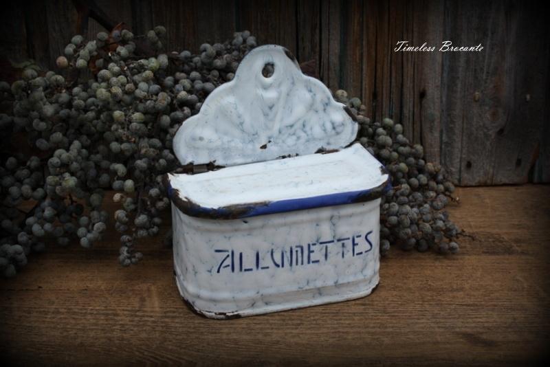 Frans emaille allumettes (lucifers) bakje