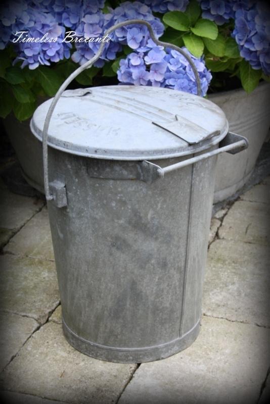Vintage zinken vuilnisemmer/vuilnisbak (nr.1)
