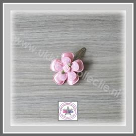 Roosje speld roze
