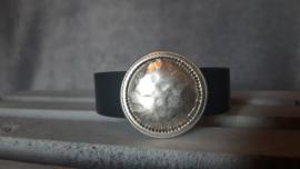 Hamerslag disc antiek zilver