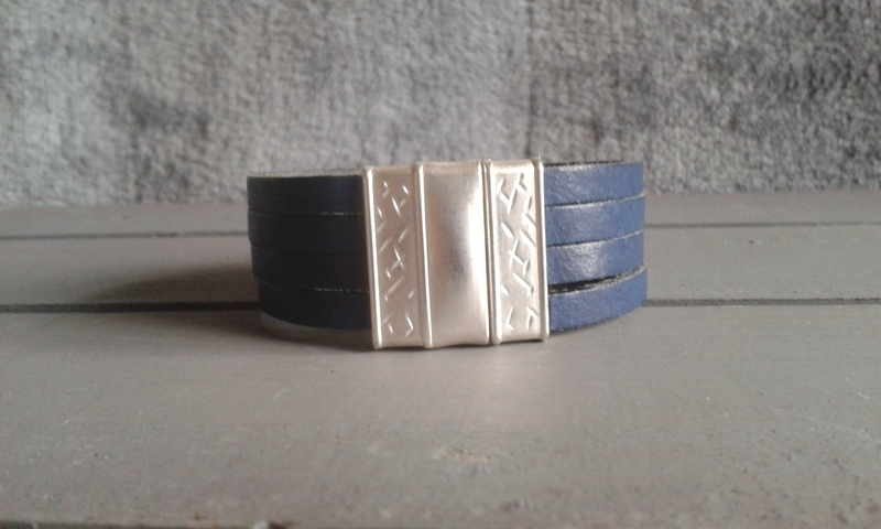 """PROUD! armband """"Lammy""""  blauw"""