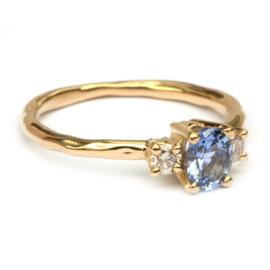 Ring Victoria met blauwe ceylon saffier