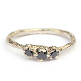 Twiggy ring met zwarte diamanten