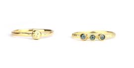 Twee ringen gemaakt van een oude gouden ring