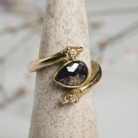 Ring met roodbruine diamant