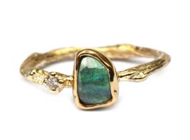 Ring met groene toermalijn en diamant
