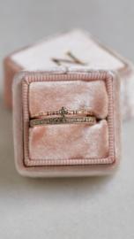 Eternity ring met natural fancy diamanten