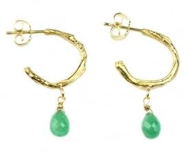 Gouden creolen met smaragd