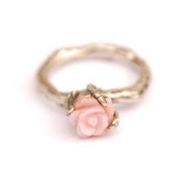 Takjesring met roze roos
