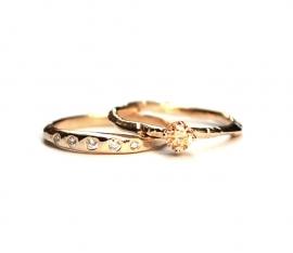 Ring met vijf diamantjes