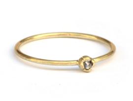 Superfijne ring met salt & pepper diamant