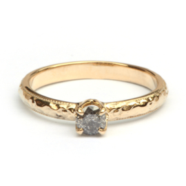Ring met art deco motief en galaxy diamant