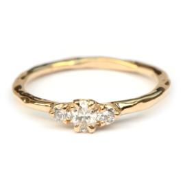 Ring met drie diamanten