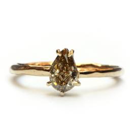 Ring met champagne diamant GERESERVEERD