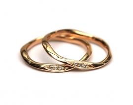 Delicate organic ring with little diamonds