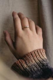 Twiggy ring in 18krt geelgoud met witte diamant