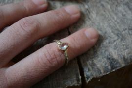 Ring met prachtige lichtroze morganiet