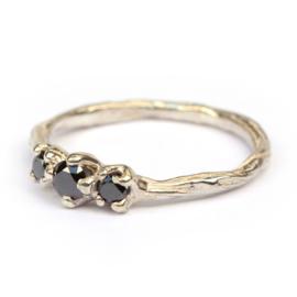 Twiggy ring met zwarte diamanten