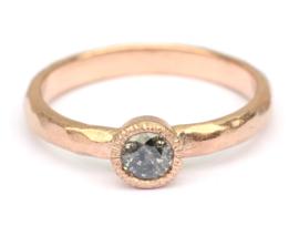 Roodgouden ring met galaxy diamant