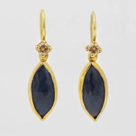 Oorhangers met blauwe saffier en diamant