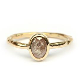 Ring met Koi diamant