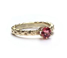 Ring met warme toermalijn