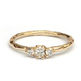 Verlovingsring met drie diamanten