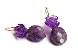 Oorhangers paarse amethystbloemen en sugeliet