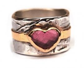 Ring met groot roze hart