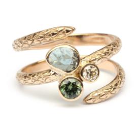 Slangenring met edelstenen en diamant
