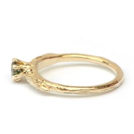 Ring Amélie met groene diamant