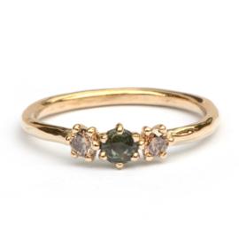 Cleo ring met groene saffier en bruine diamanten