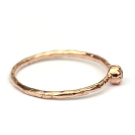 Fijne Naoki ring in roodgoud met bruine diamant