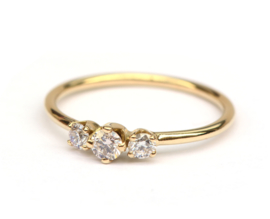 Ring met drie natural light pink diamanten