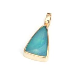 Hanger met opaal