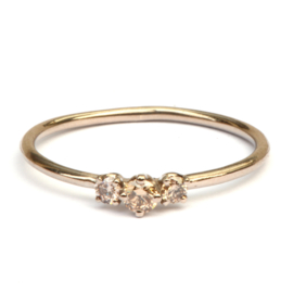 Fijne ring met lichtbruine diamantjes