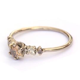 Ring Noralia in witgoud met cinnamon diamant