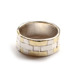 Ring woven