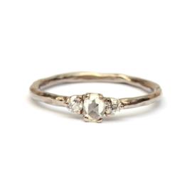 Witgouden ring met roosdiamant en briljanten