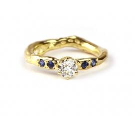 Verlovingsring met diamant en saffier