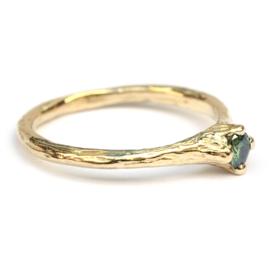 Nymph ring met groene diamant