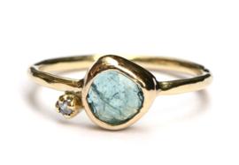 Fijne ring met aquamarijn en diamant