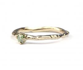 Verlovingsring met groene diamant in witgoud