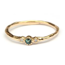 Minnie ring met groene toermalijn en diamant