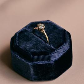 Bosnimf ring met antieke diamant