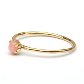 Fijne ring met roze opaal