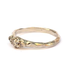 Palladium witgouden ring met bruine diamanten